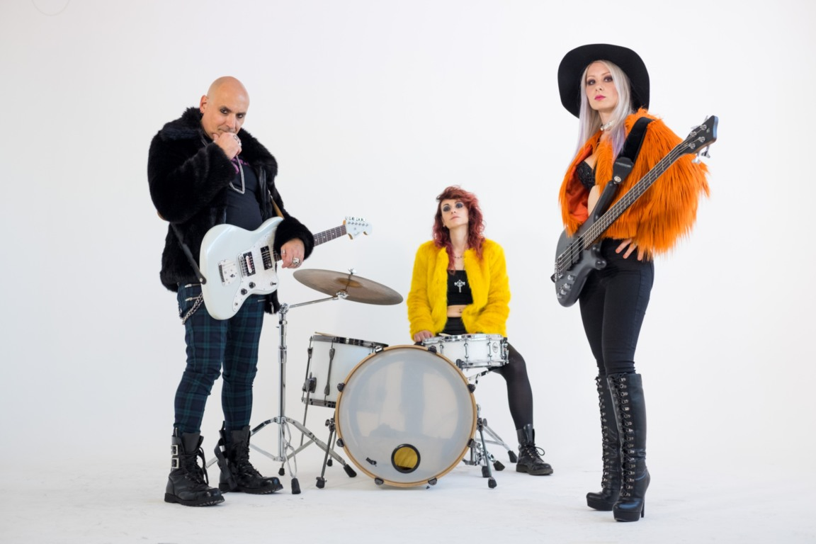 DIVARADIOSTAR - Fabrizio Ravelli, Anais Noir e Marilisa Misa Asci