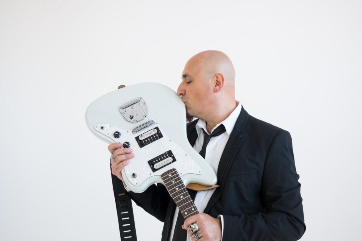 DIVARADIOSTAR - Fabrizio Rovelli con chitarra